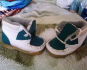 Ботиночки (новые (весна/осень)). В наличии 2 пары.