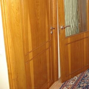 двери дубовые покрытые масляным лаком,  двери межкомнатные,  шпонированн