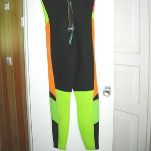 Продам водолазный костюм женский для дайвинга