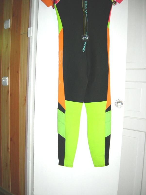 Продам водолазный костюм женский для дайвинга 3